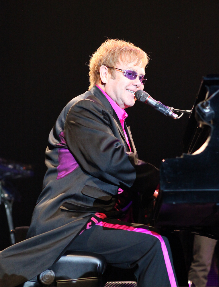 Elton John Helps Raise $700K for AIDS Support